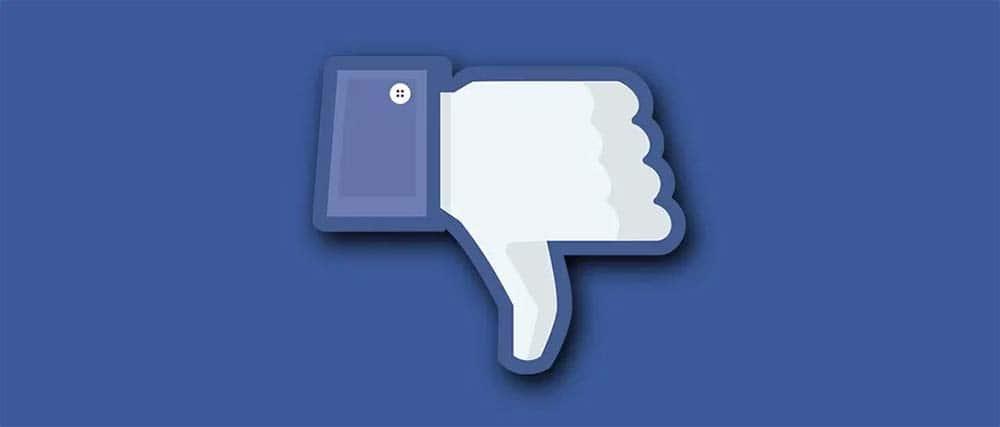 Facebook met duim naar bedenen.